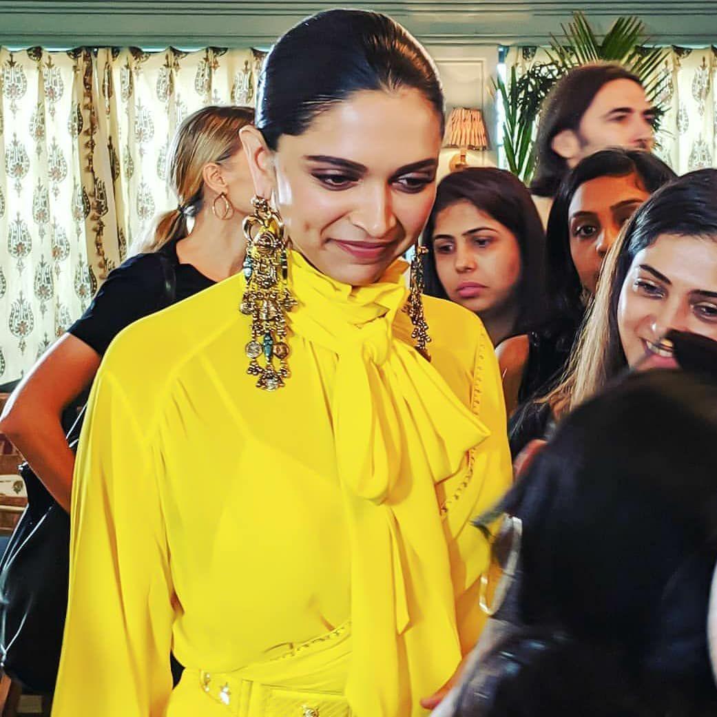 Deepika Padukone Glows Bright In All Yellow Ruffle Sabyasachi Saree For Bof Event Hungryboo Sabyasachi Sarees Bollywood Actress Deepika Padukone