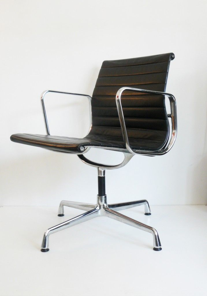 Charles & Ray EAMES (19071978) (19121988) Fauteuil