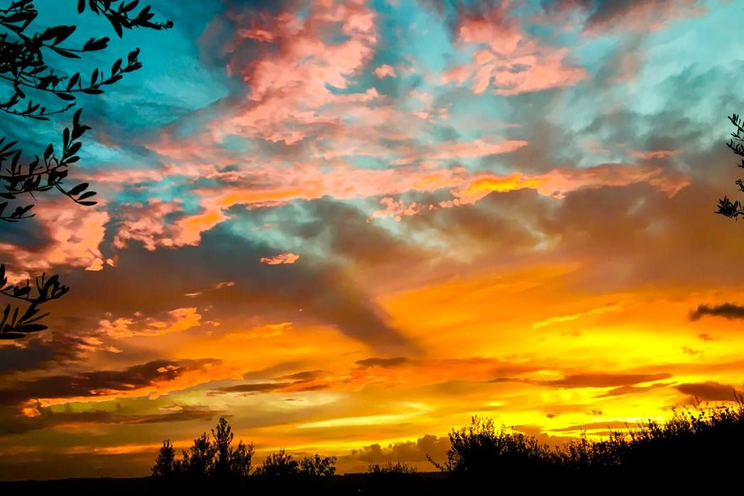 Many thanks to Camilla Castagna, our new Contributing Photographer, for her lovely Tuscan sunset!