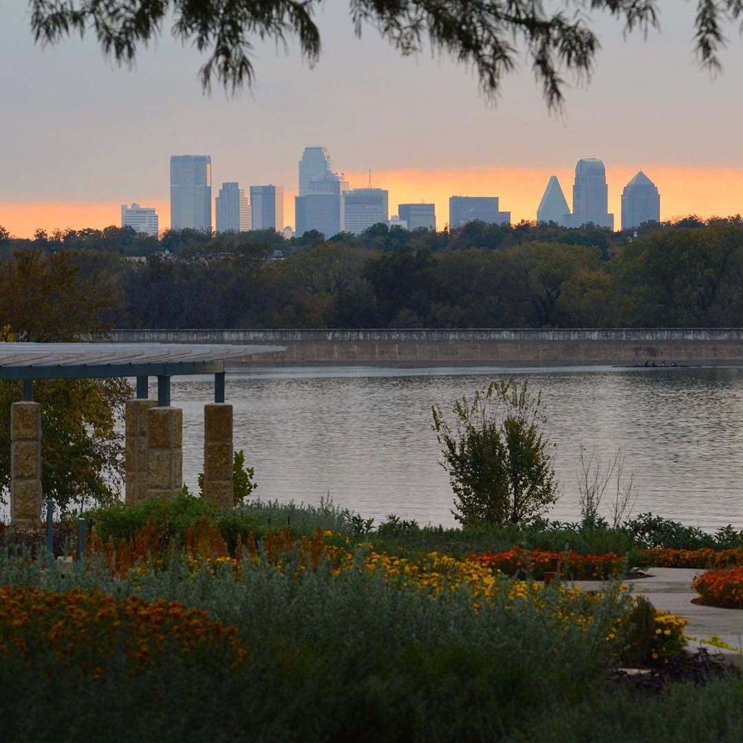 What A View Come Visit A Tasteful Place At The Dallas Arboretum To See The View For Yourself Click For More Dallas Arboretum Botanical Gardens Dallas Skyline