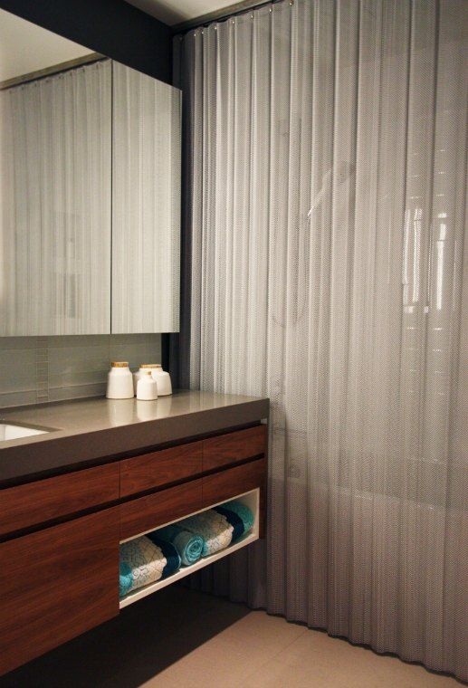 Make Your Bathroom Luxurious And Practical With Mesh Shower Curtains
