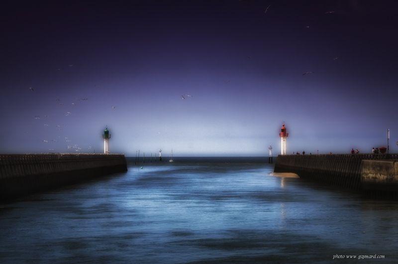 Sortie du port de Deauville