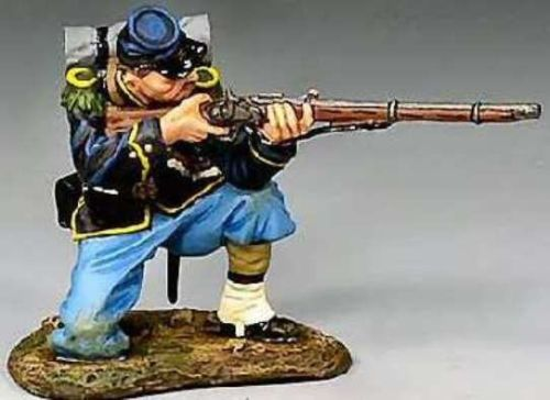Civil War Union CW028 Rifleman Kneeling Firing - Made by King and Country Military Miniatures and Models. Factory made, hand assembled, painted and boxed in a padded decorative box. Excellent gift for the enthusiast.