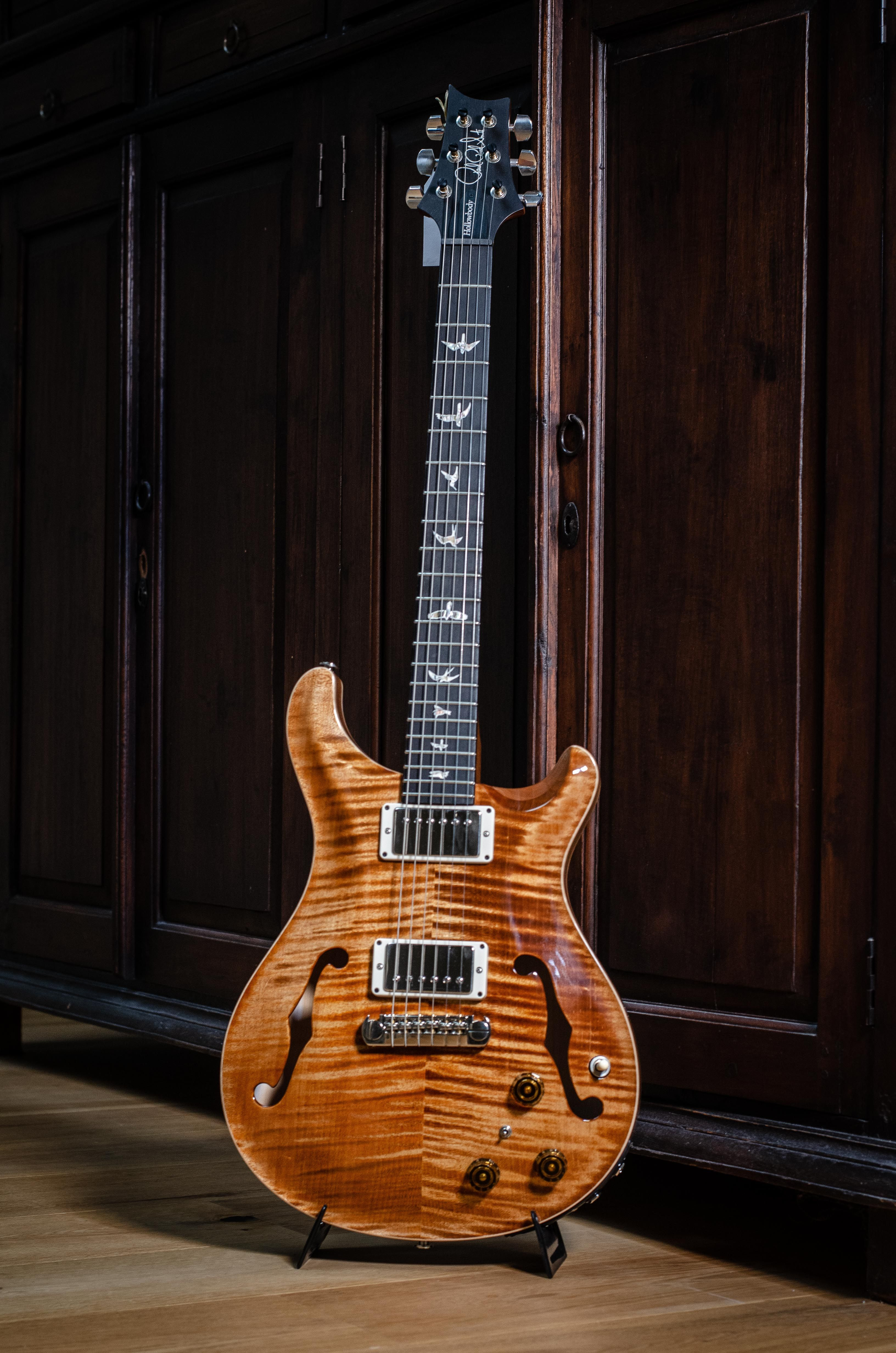 Prs Hollowbody Ii With Limited Copperhead Finish With Brilliant Acoustics And A Vast Array Of Tones The Hollowb Electric Guitar Guitar Acoustic Guitar Amp