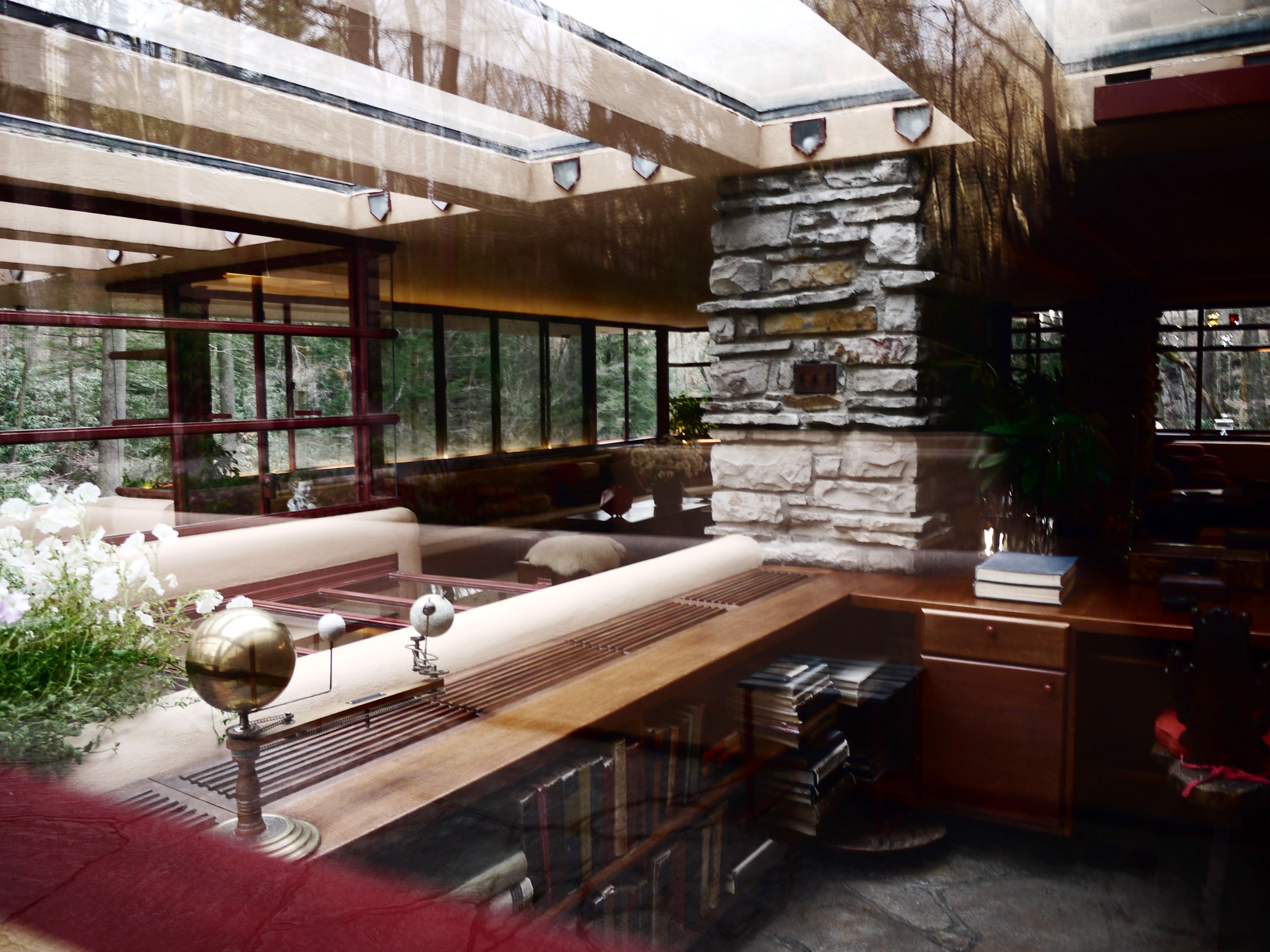 Fallingwater interior frank lloyd wright pinterest Home run architecture