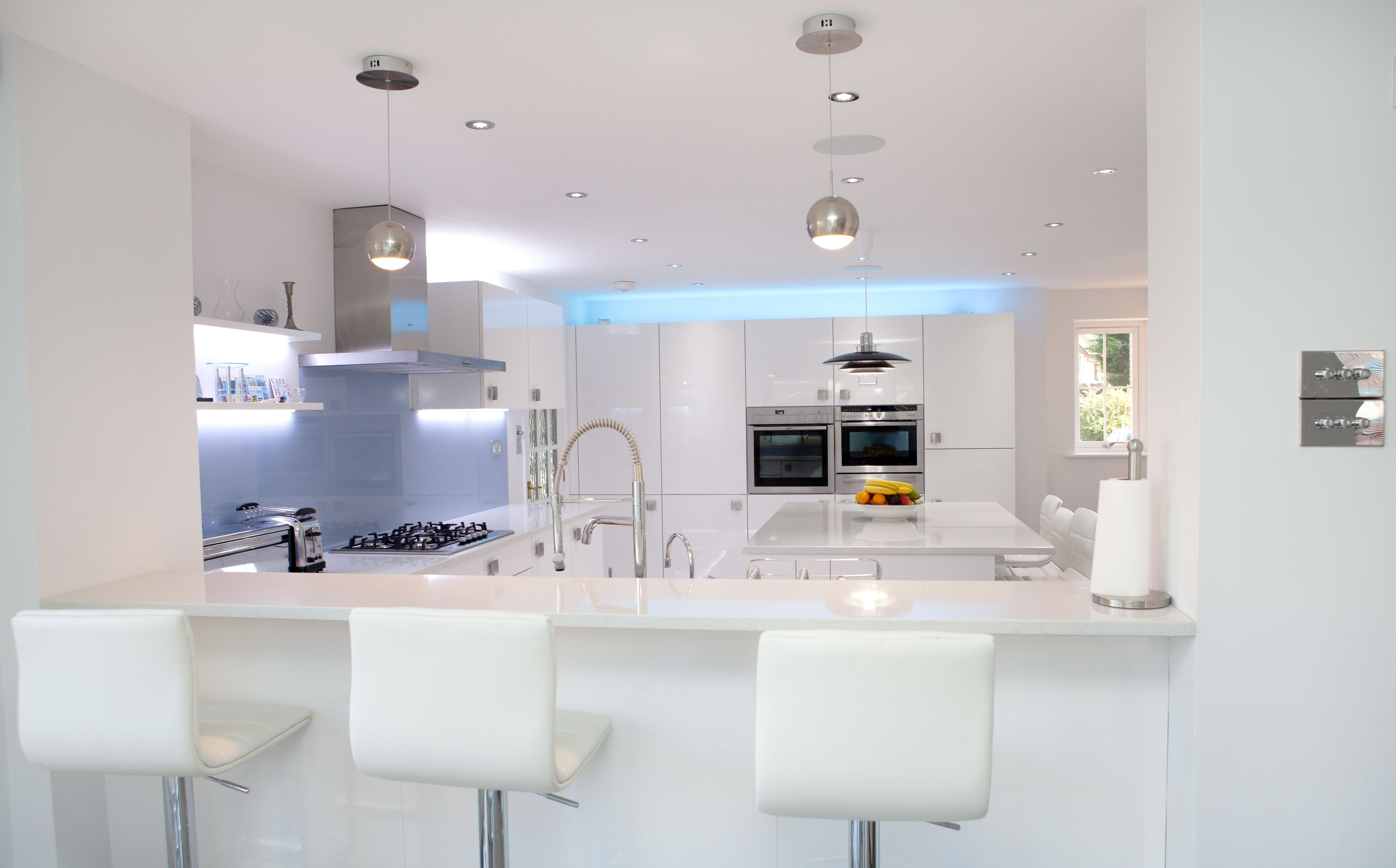 Nolte Kitchens | Glass splashbacks, White gloss kitchen and Kitchens