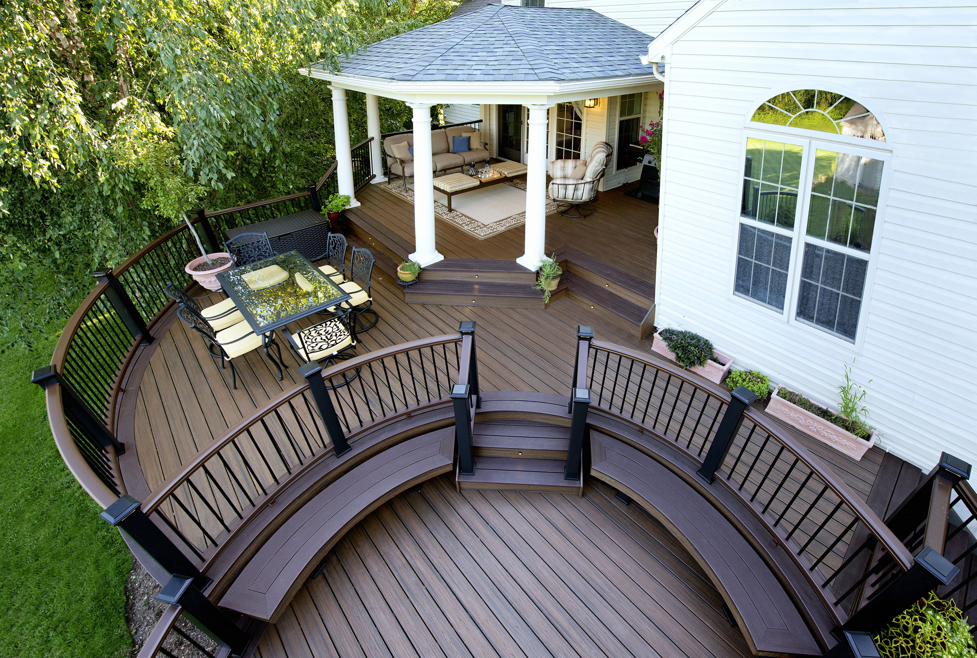 Trex transcend composite round deck with roof www for Coverd deck