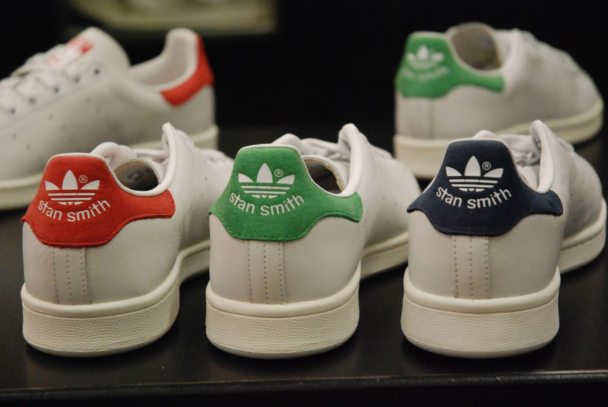 plus récent c930c d12b0 Adidas Stan Smith réédition 2014 en bleu vert et rouge ...