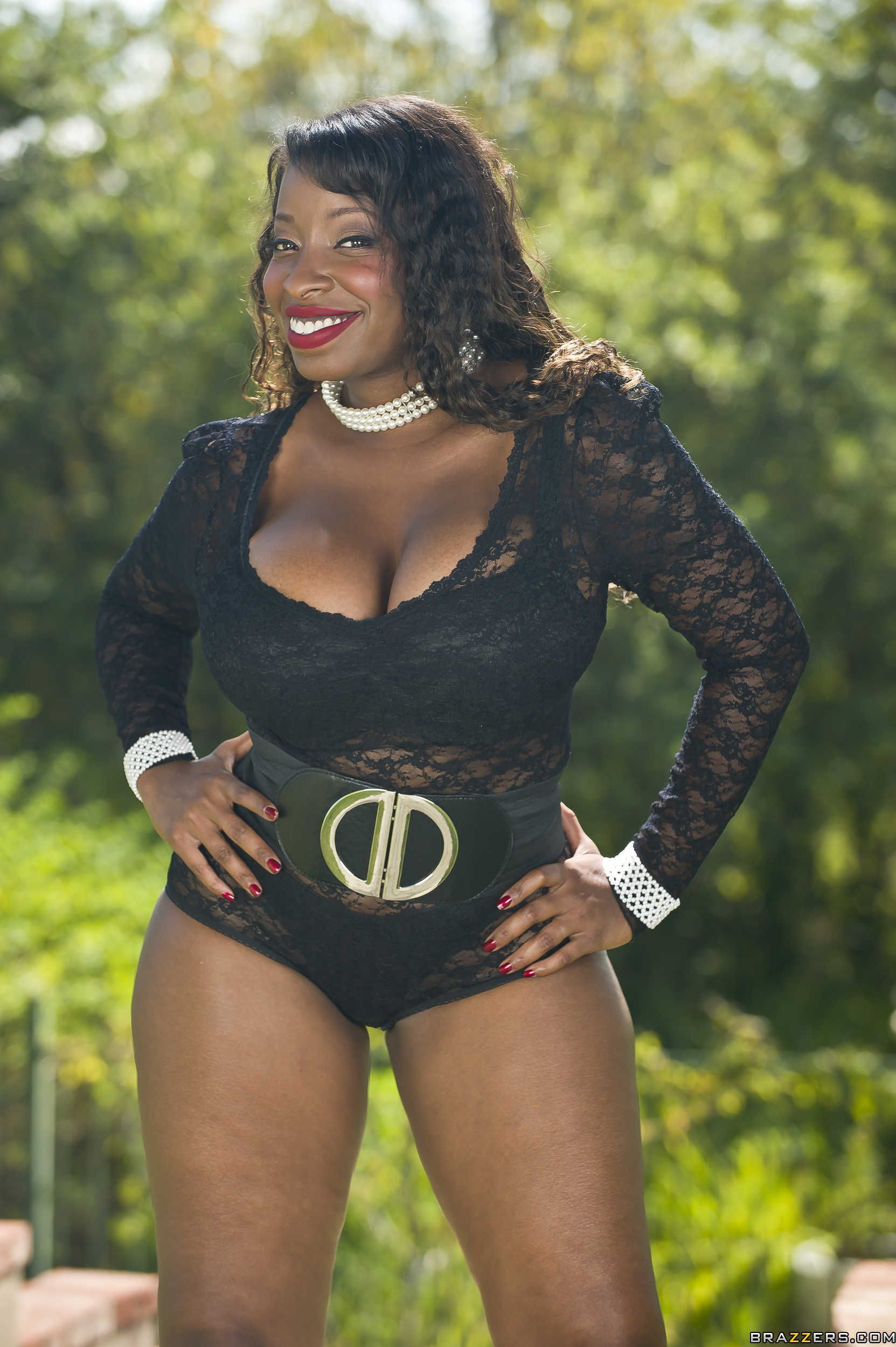 HBD Vanessa Blue May 27th 1974: age 42 | Famous Birthdays ...