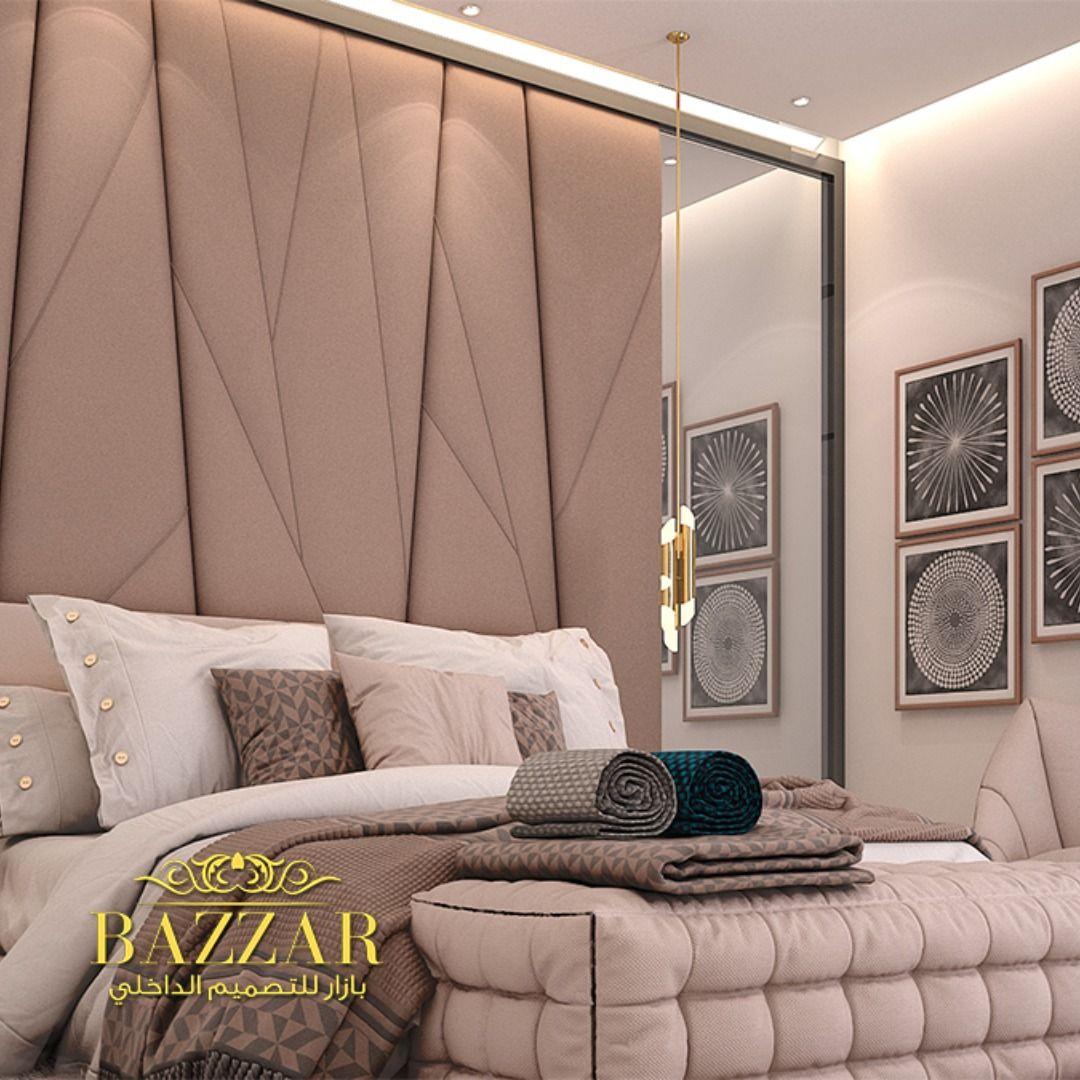 غرفة نوم مودرن جمعت بين البساطة والجمال في كل تفاصيل تصميمها بداية من الالوان الي الاكسسوارات والأضاءة المميزة وتم اضافه مرايات لتعطي ا Room Home Decor Decor