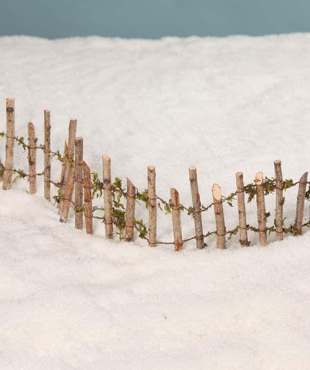 Fence Display Ideas: Lemax Christmas Village, Diy