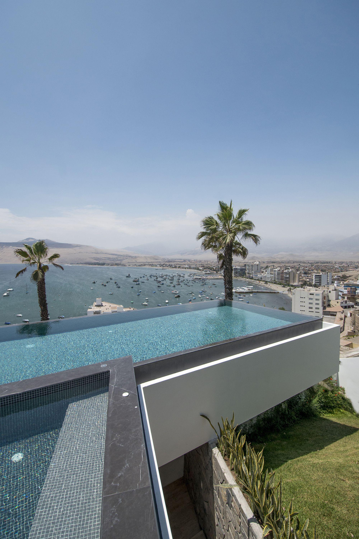 Galería De Casa En Ancón Adrián Noboa Arquitecto 4 Amazing Swimming Pools Swimming Pool Designs Rooftop Pool