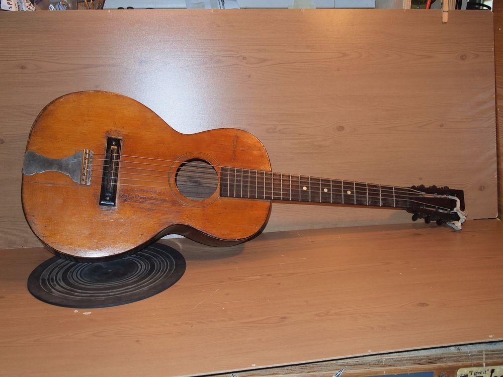 Vintage Antique Acoustic Parlor Guitar (Martin?/Ditsan