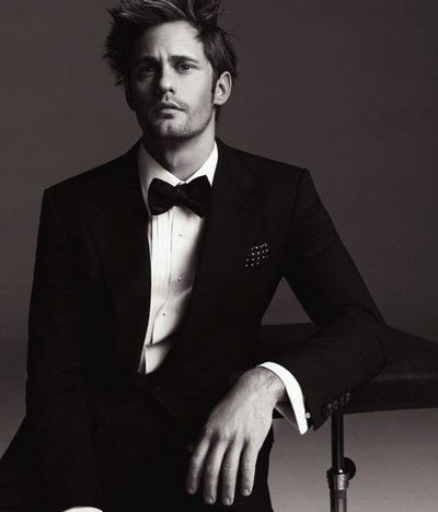 Alexander Skarsgård, how his clothes are not on fire i don't know, hot hot hot