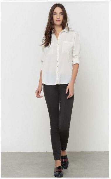 White shirt+black skinny jeans+black loafers with burgundy details. Fall Transitional Outfit 2016