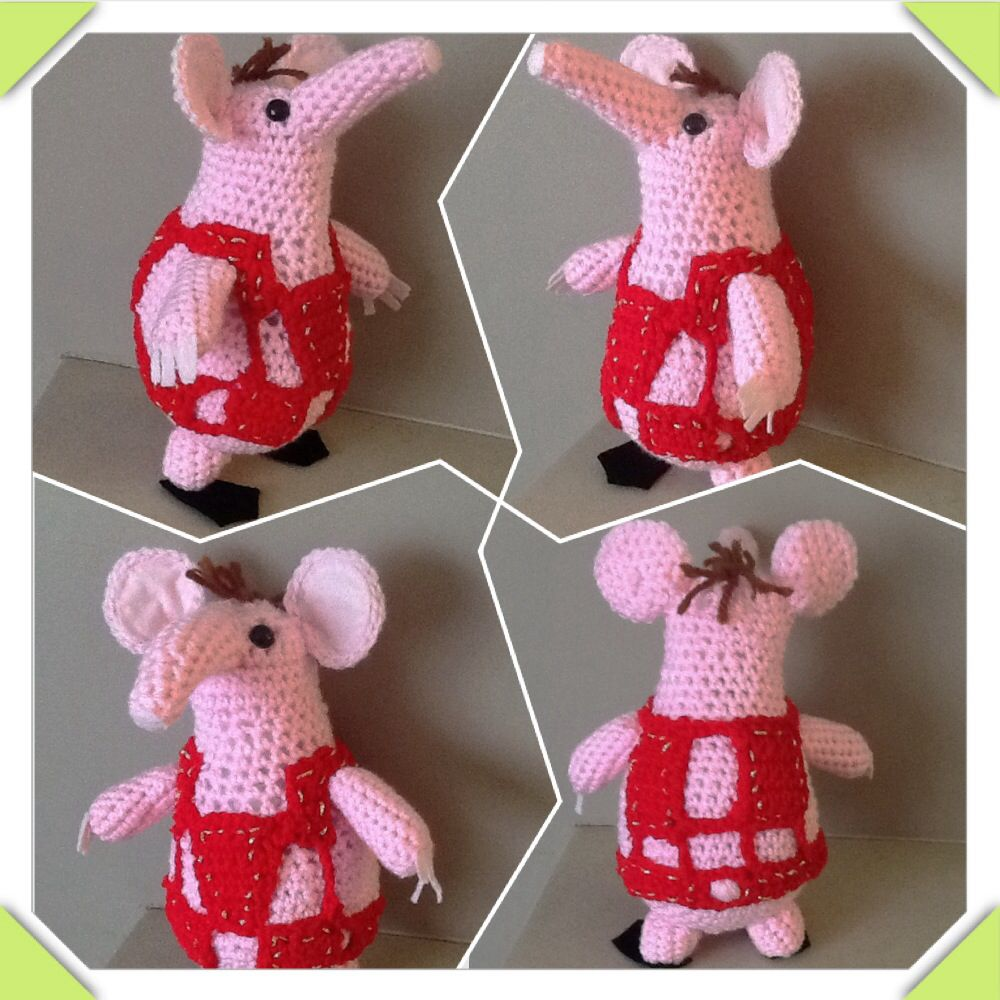 Got asked to make a Clanger. Problem 1: Clangers are knitted and I ...