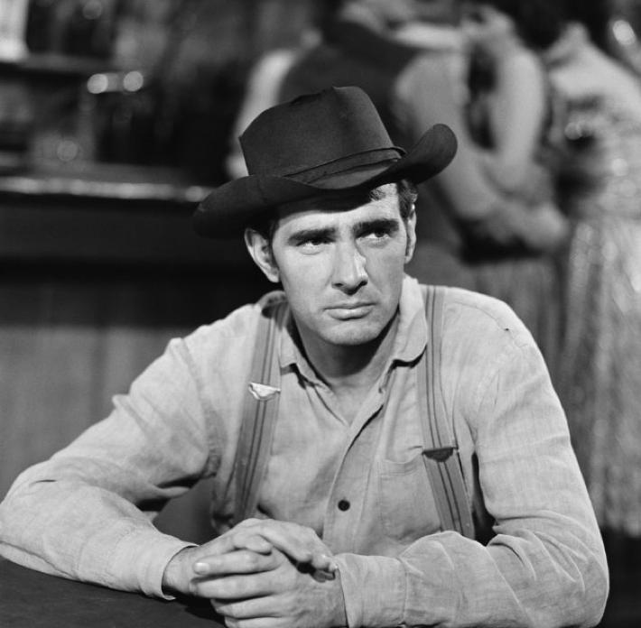 Dennis Weaver ~ Chester Goode   O L D W E S T   Tv westerns ...