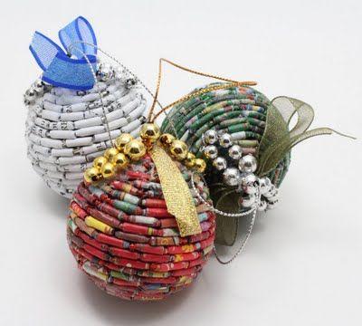 adornos de navidad de papel reutilizadoo los collares que - objetos navideos