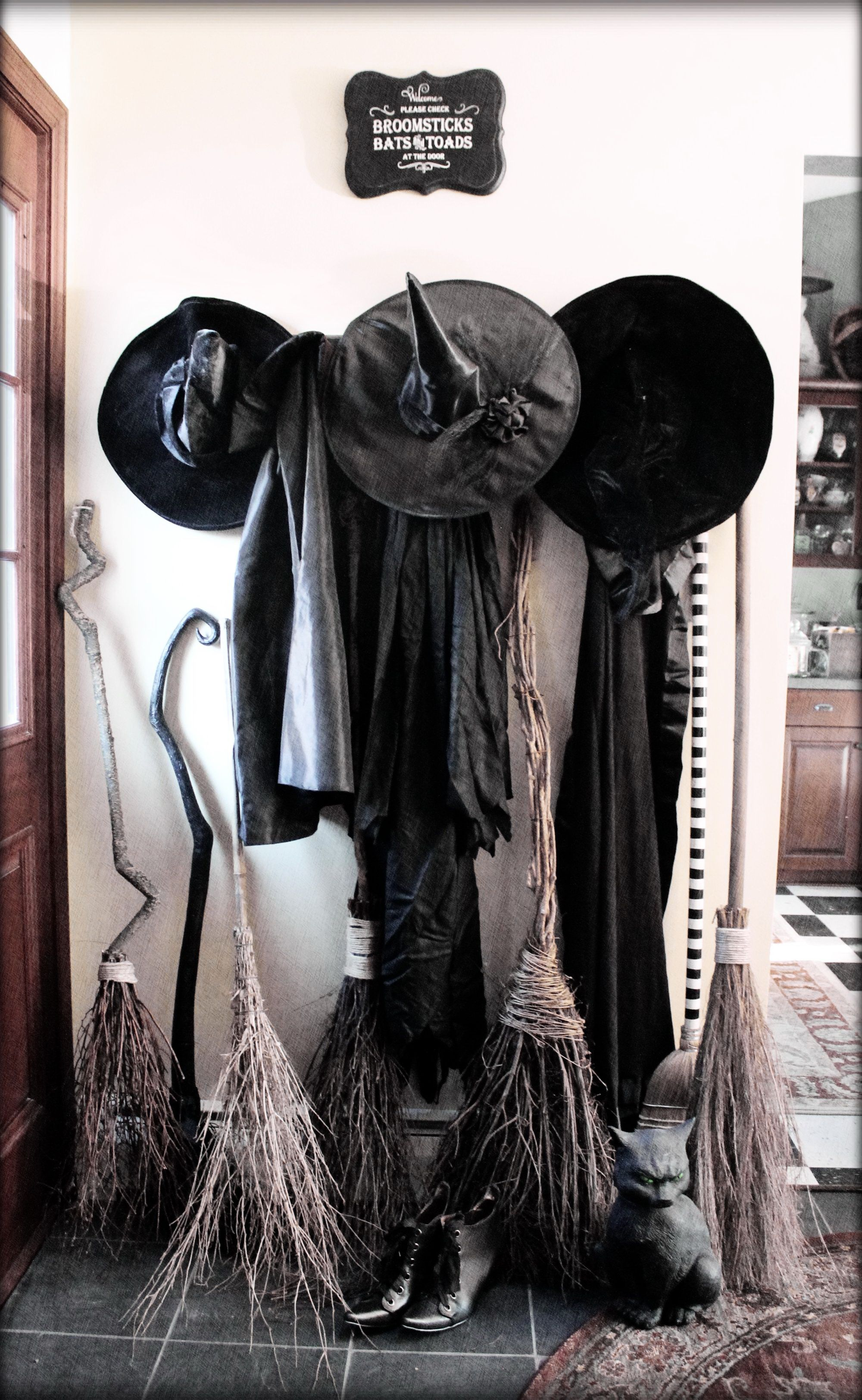 Pin by Julia Vin on WITCH HOME Pinterest Witches - Halloween Decorations For The Office