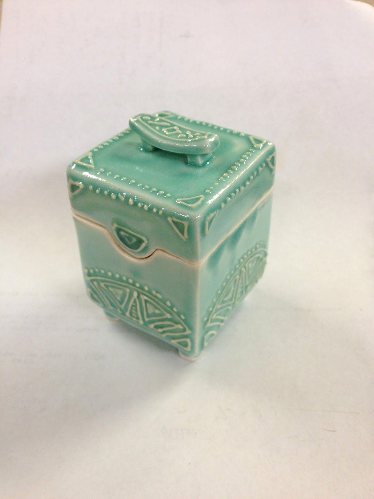 Ashenwren Ceramics Slip Trailed Box