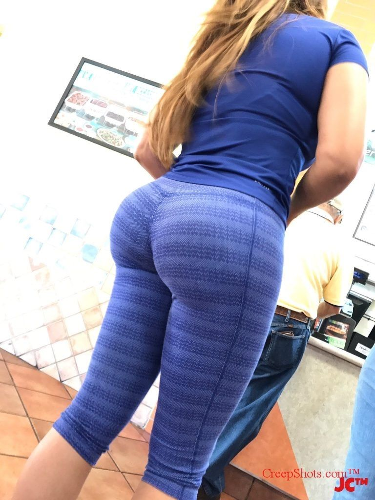 big ass in public conmuypoquito pinterest big yoga pants and curves. Black Bedroom Furniture Sets. Home Design Ideas