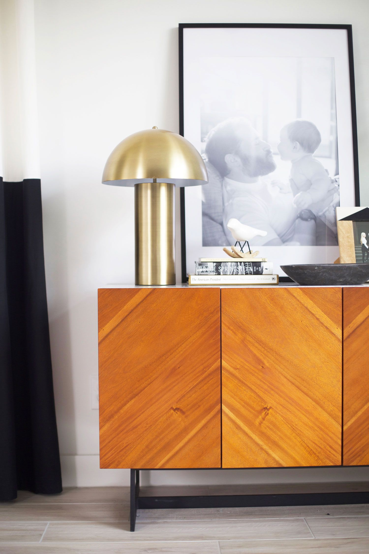 Obsessed with this lamp and this little console table styling moment.