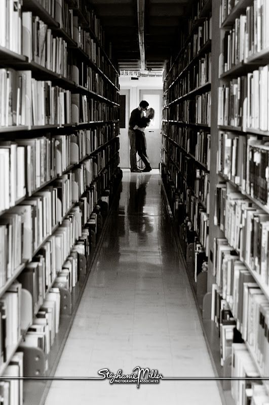library engagement photo. YESSS!! Must have this shot! #photolibrary