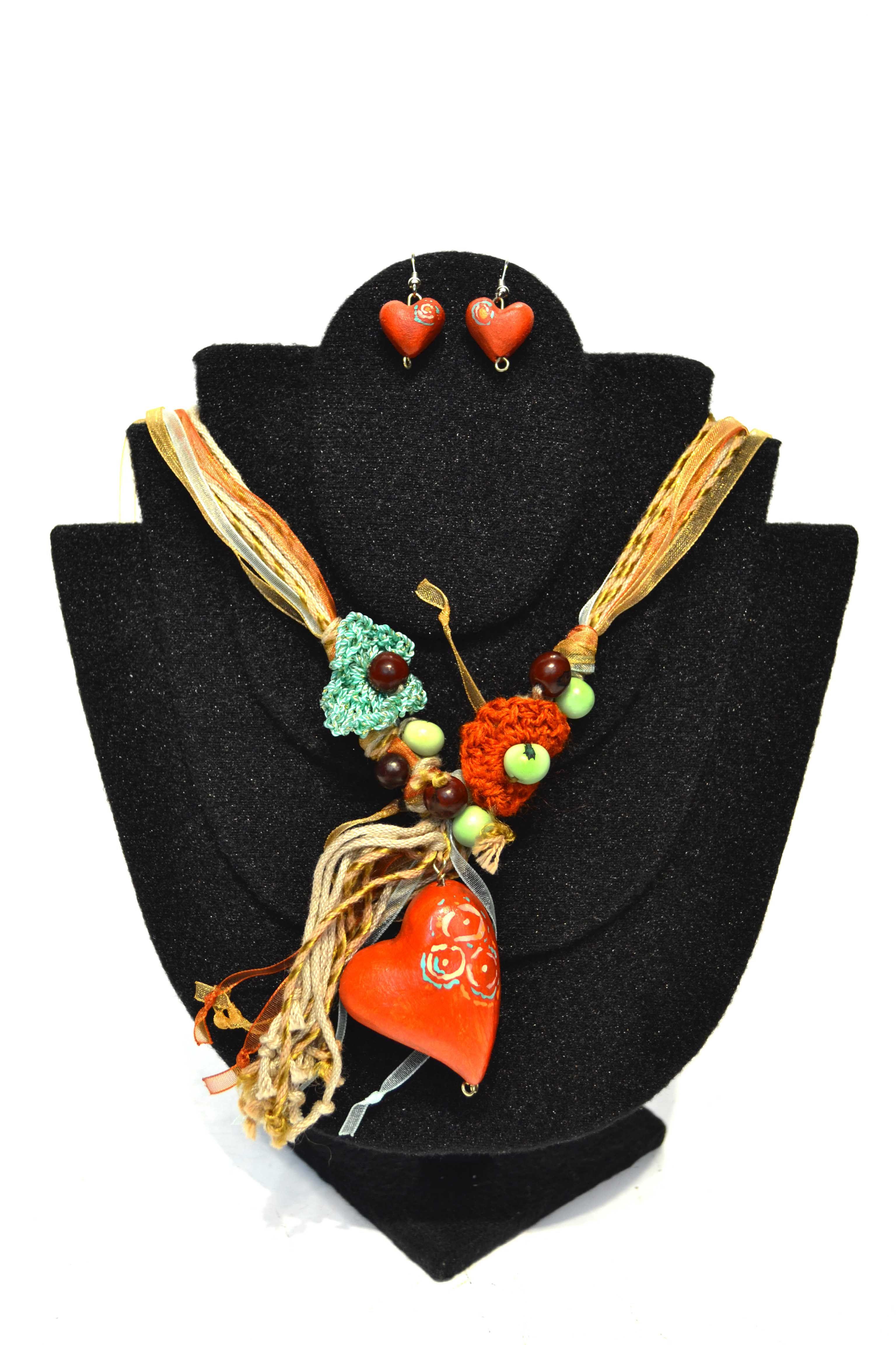 f9b00cd96eca Conoce la propuesta de joyería y bisutería de diseño 100% mexicano de Laura  R.
