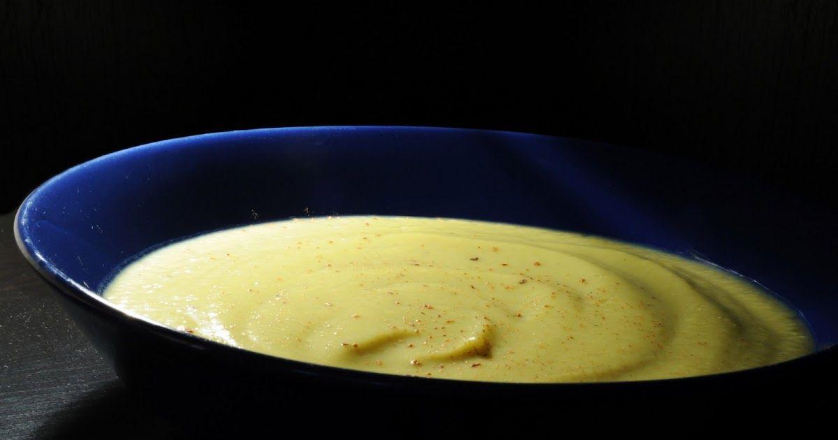 INGREDIENTES  800 gr de Calabacines  400 gr de Puerros (parte blanca)  2 quesitos (yo le he puesto de Santé)  Sal, Pimienta y Nuez Moscada...