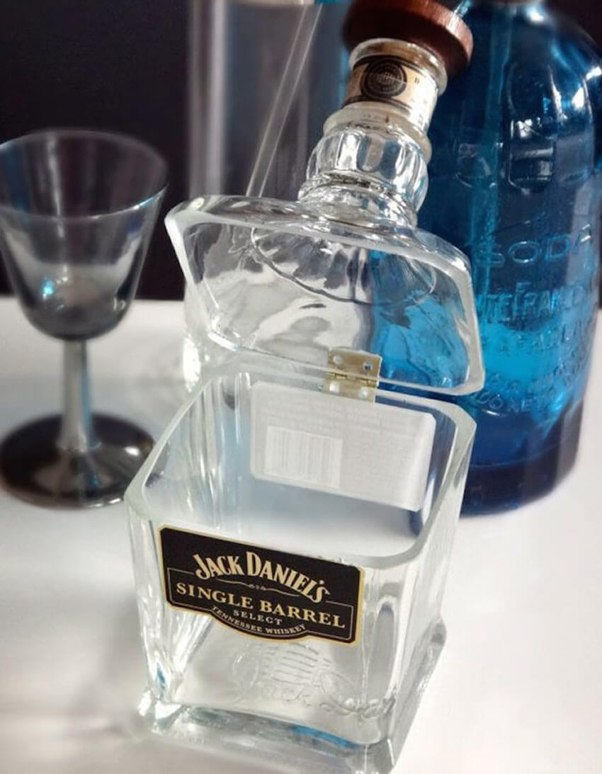 25 Creative Projects with Glass Bottles You'll Love to Keep