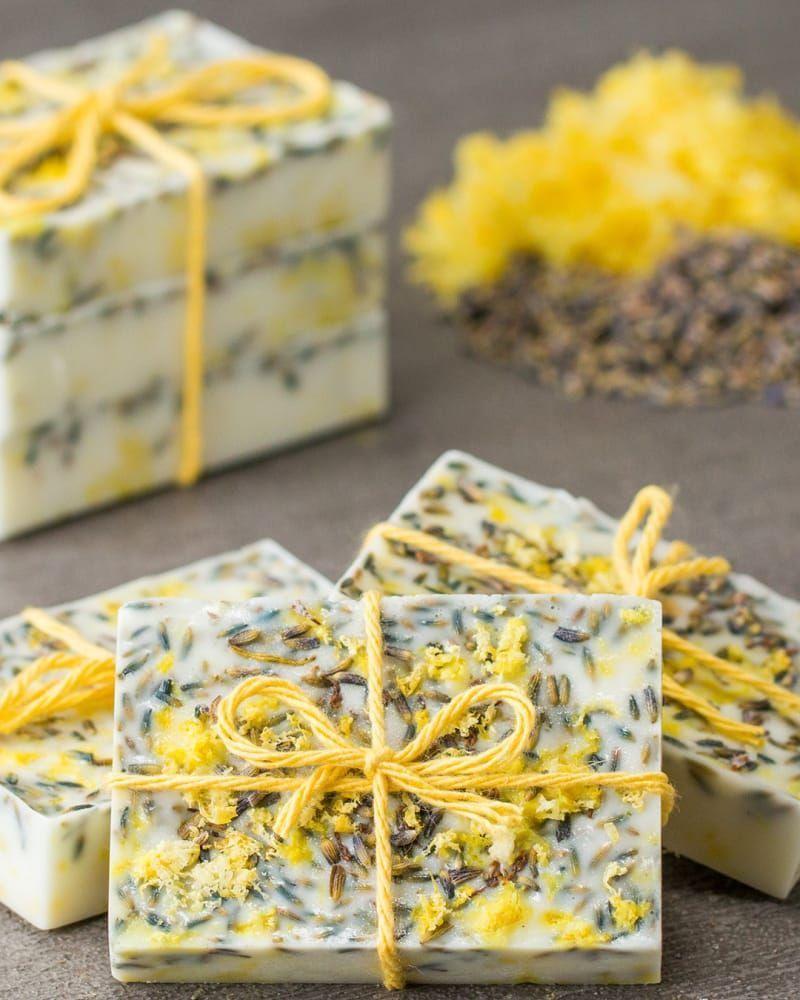 These Ultra-Moisturizing Homemade Soaps Make Amazing Gifts #naturalsoaprecipes