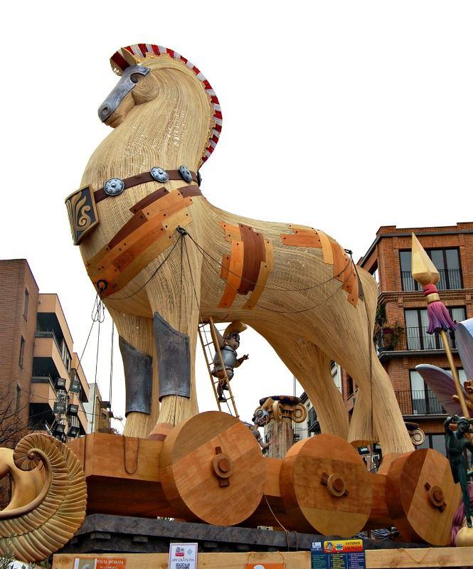 Descomunal E Imponente En 24h Ardera El Caballo De Troya Con