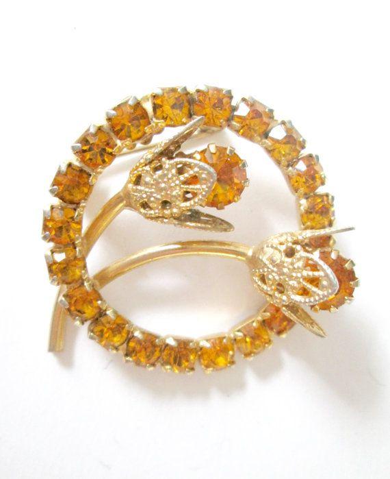 Shiny Yellow Gold and Rhinestone Scarf Pin Round Filigree Brooch