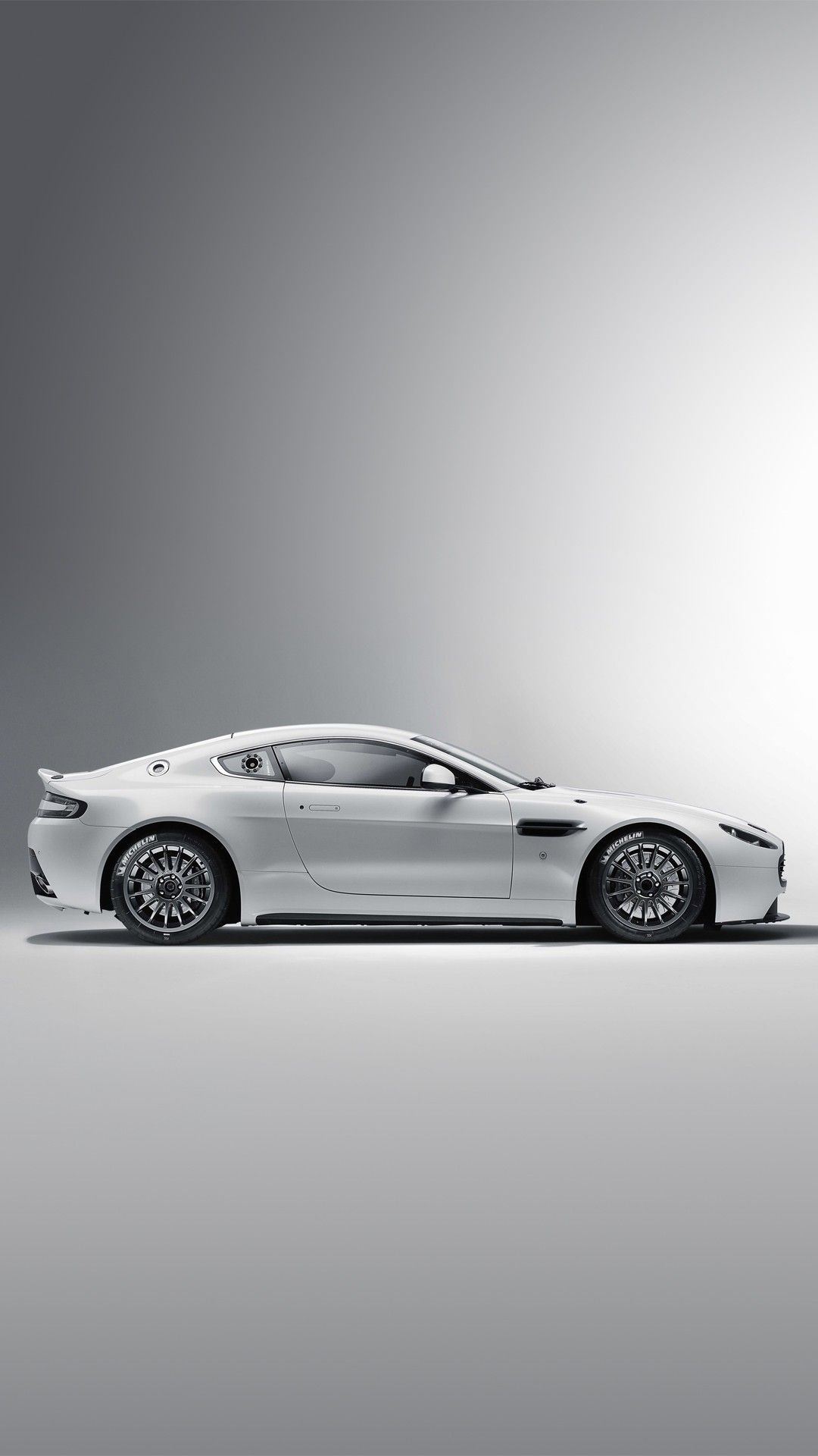 Iphone Lock Screen Iphone Aston Martin Logo Wallpaper