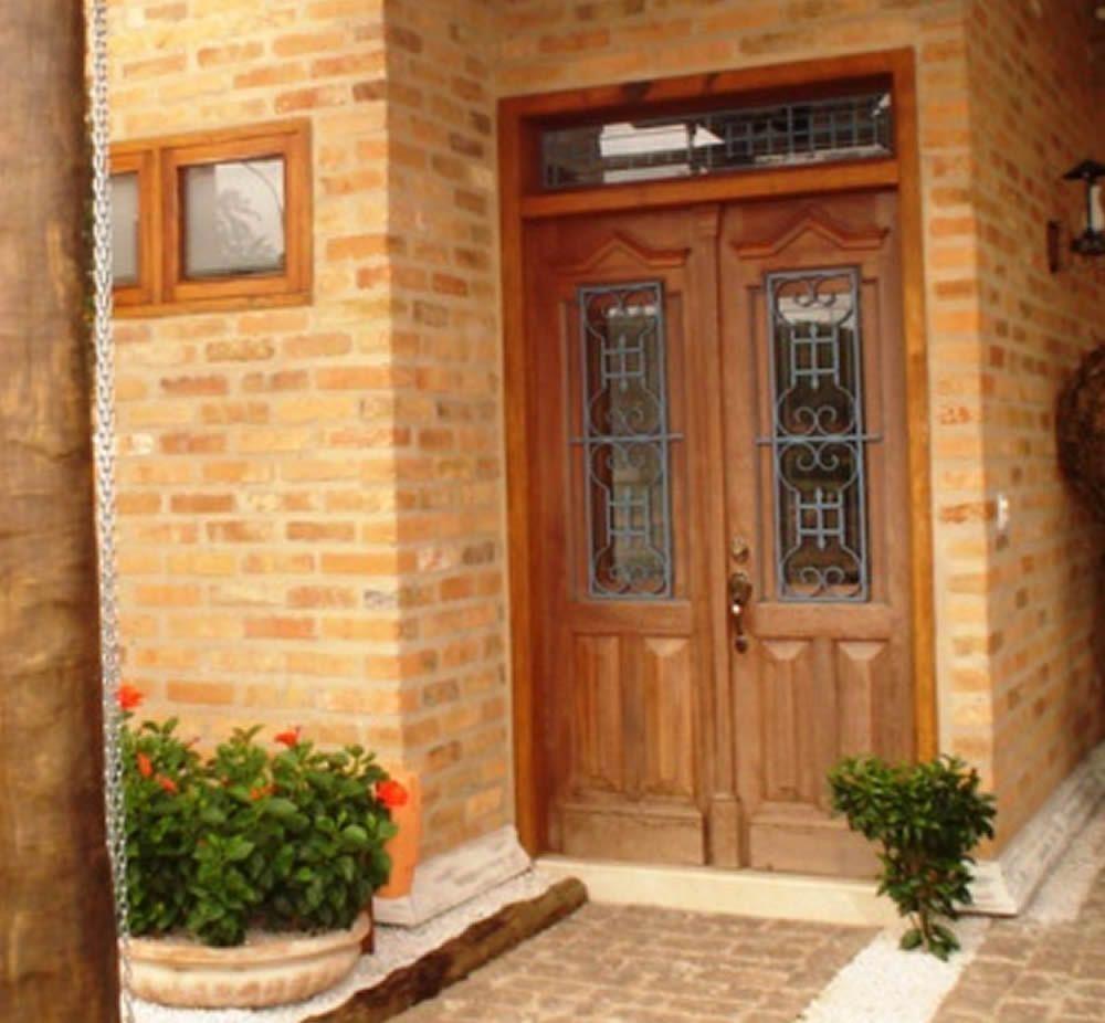 Villa sebrian fachadas casa portas de entrada for Entradas de casas rusticas