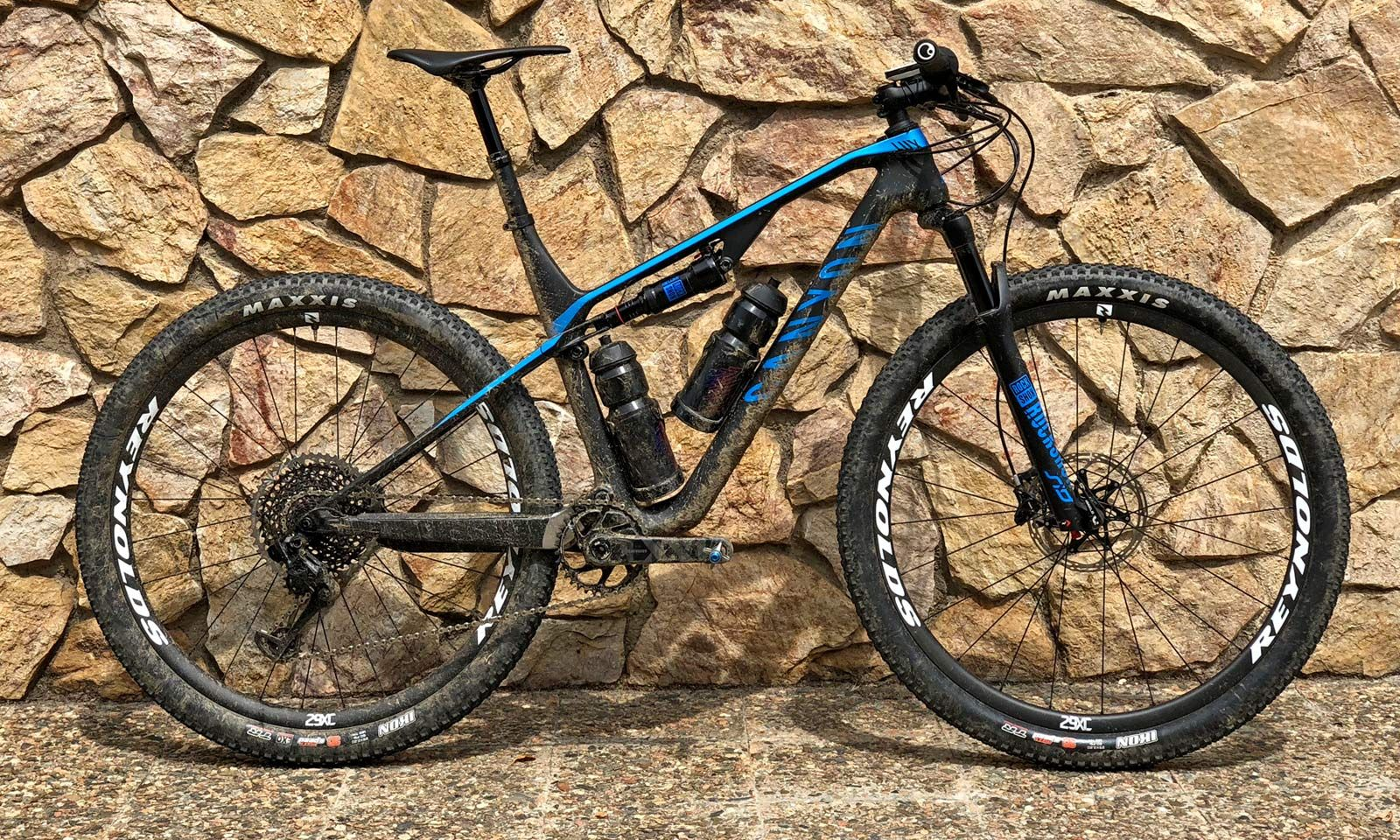 2019 Canyon Lux Reshapes Xc Xcm Race Mountain Bike With All New