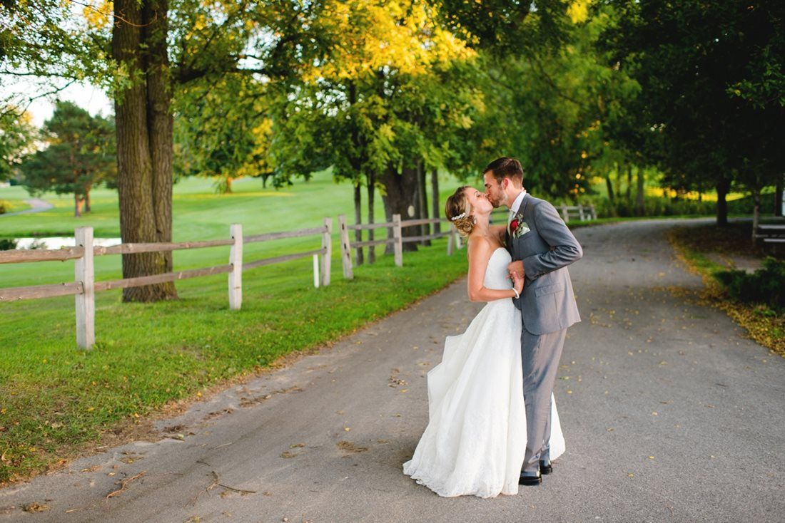 Alyssa u drew photographers grand rapids wedding photographer