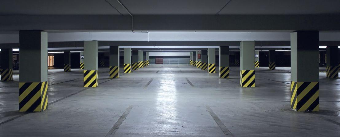 parking souterrain marquage sur les poteaux bas de. Black Bedroom Furniture Sets. Home Design Ideas