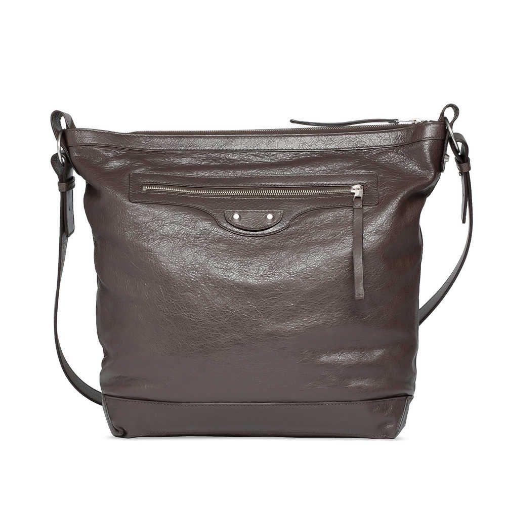 I need this !!! <3Check out Balenciaga Day at http://world.balenciaga.com/en_US/shop-products/accessories/men/bags/classic/balenciaga-day_804887584.html