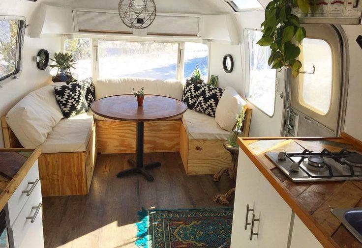 Idee Per Interni Roulotte : Living tiny: melissa and rustys new mexico airstream caravan