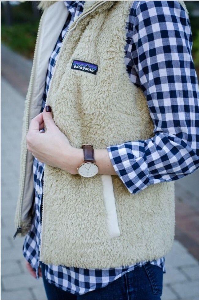 Patagonia Women S Los Gatos Khaki Fleece Vest Large Sold