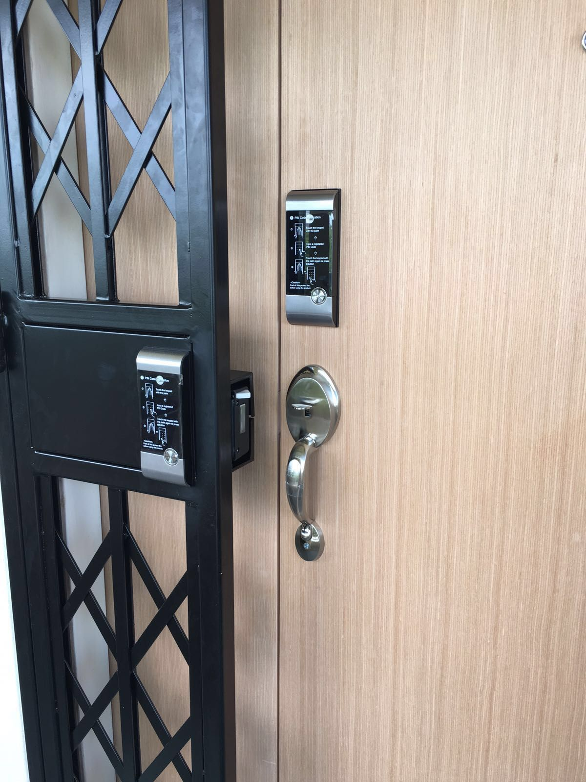 Yale ydr 3110 digital door lock promotion install on hdb - Installing a lock on a bedroom door ...