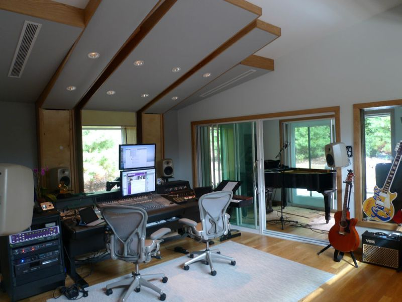 A Modern Fresh Home Music Studio | Photos, Designs, Pictures ...