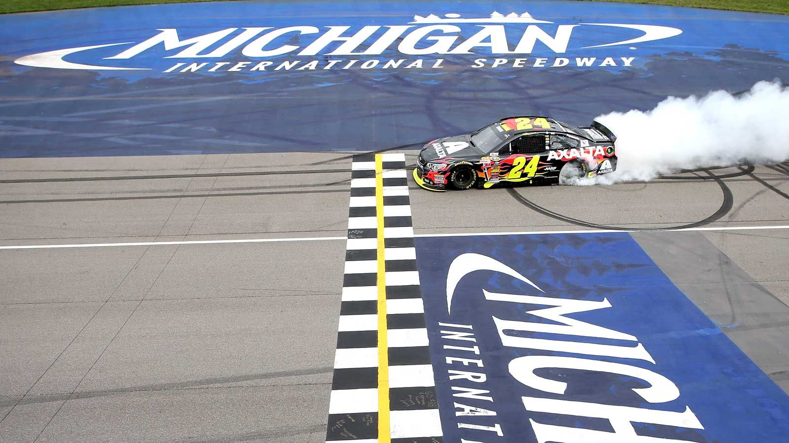 Michigan madness Gordon claims chaotic Cup race (VIDEO