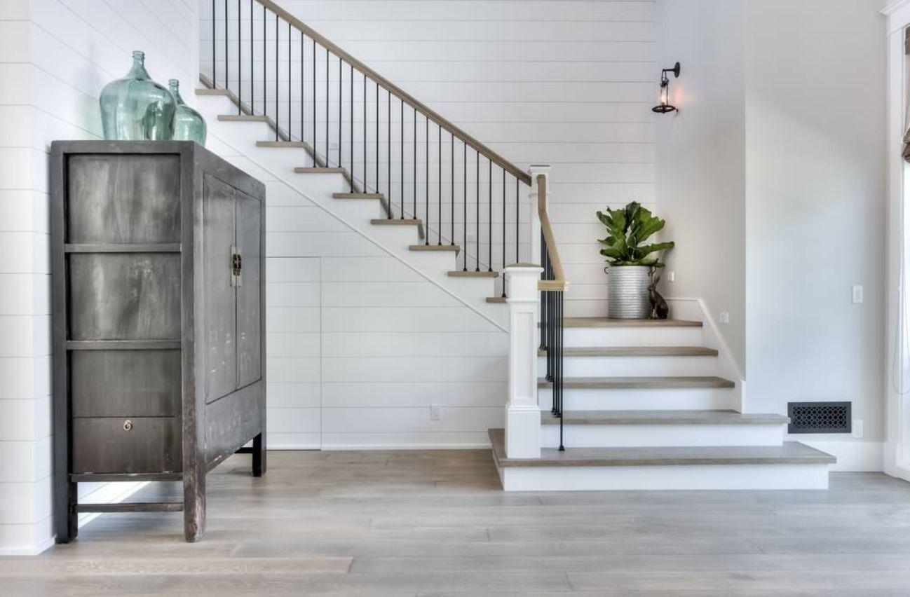 Best Pin By Susan Den Herder On Hilltop Staircase Design 400 x 300
