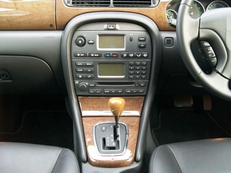 2003 Jaguar X-Type 2.1 SE - The Purr-fect Gift Shop