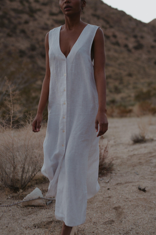 Sunrise Dress Laundered Linen Balearic Stripe Ozma In 2021 Vintage Linen Dress Linen Beach Dress Casual Stripes [ 3000 x 2000 Pixel ]