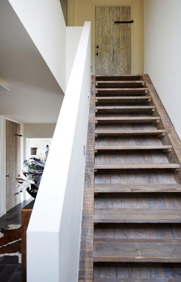 Houten trap van restylexl gemaakt van oud hout progetti da provare pinterest scala e progetti - Houten trap ...
