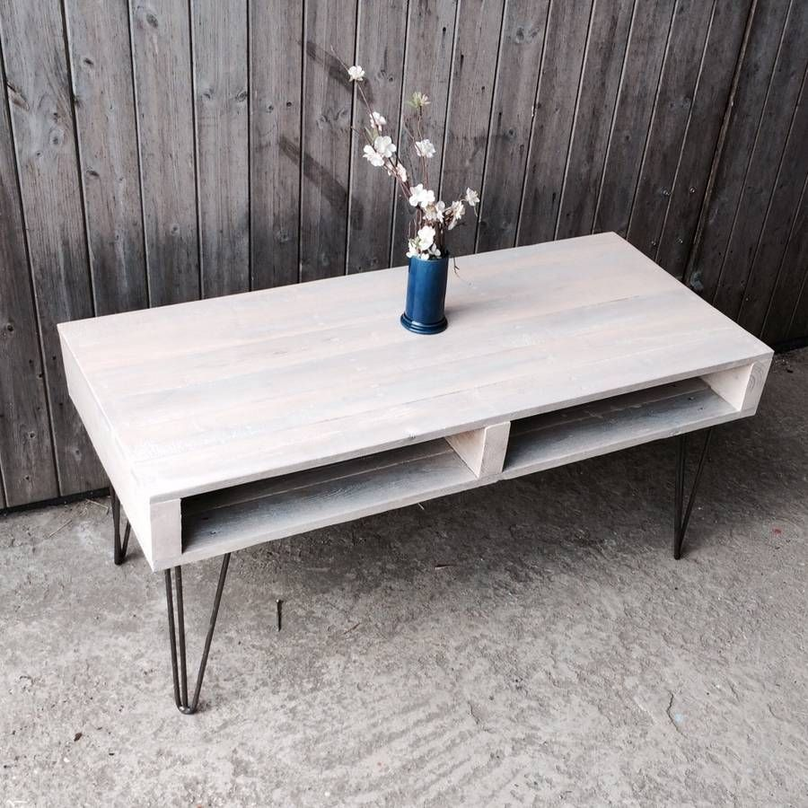 pallet coffee table with hair pin legs | pallet coffee tables