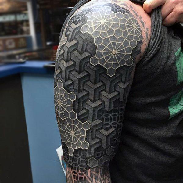 Standout Men S White Ink Tattoo Ideas Tatowierung Fur Manner Tattoo Mit Weisser Tinte Schulter Tattoo Frauen